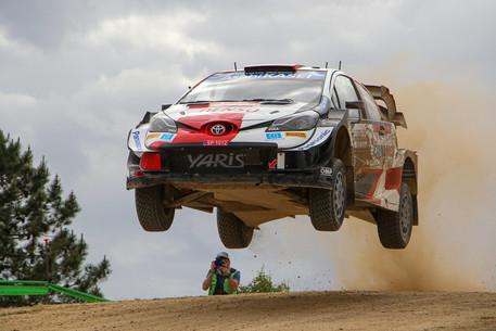 Rally Italia Sardegna: trionfo Toyota, Ogier davanti a Evans