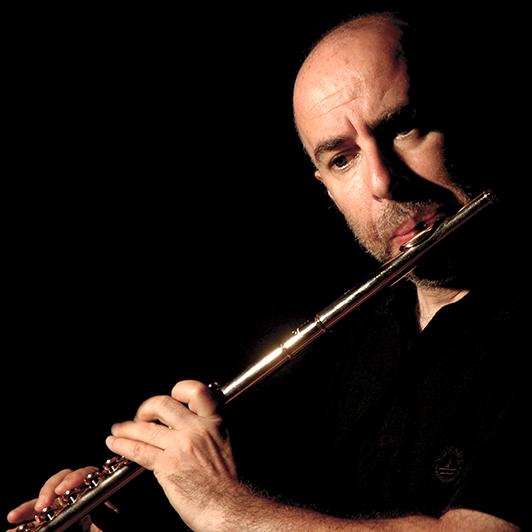 Riccardo Ghiani primo flauto dellorchestra Fondazine Teatro Lirico di Cagliari Repertorio Bosa Antinca