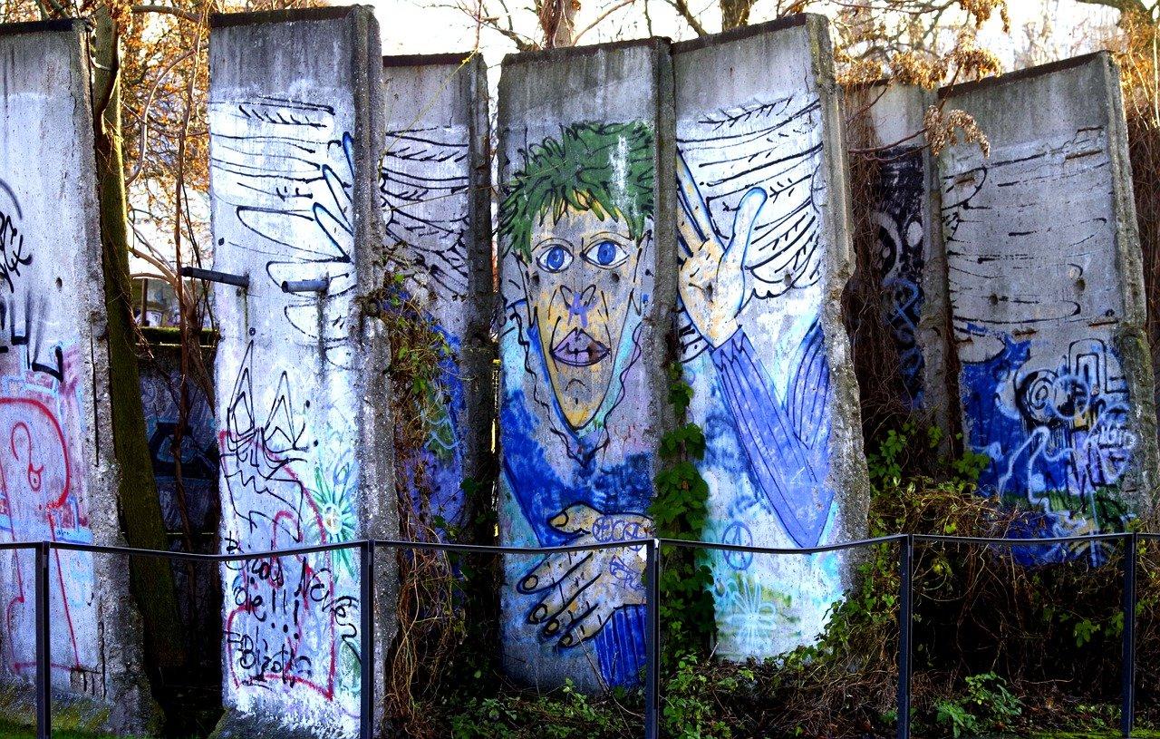 berlin wall 4686909 1280