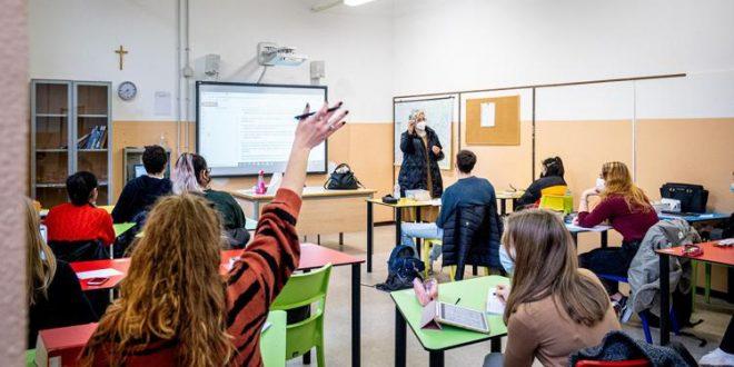 milano covid 19 zona gialla liceo tito livio scuola in presenza dimezzata