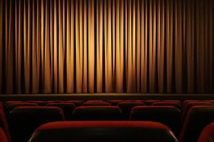 movie theater 4609877 1920