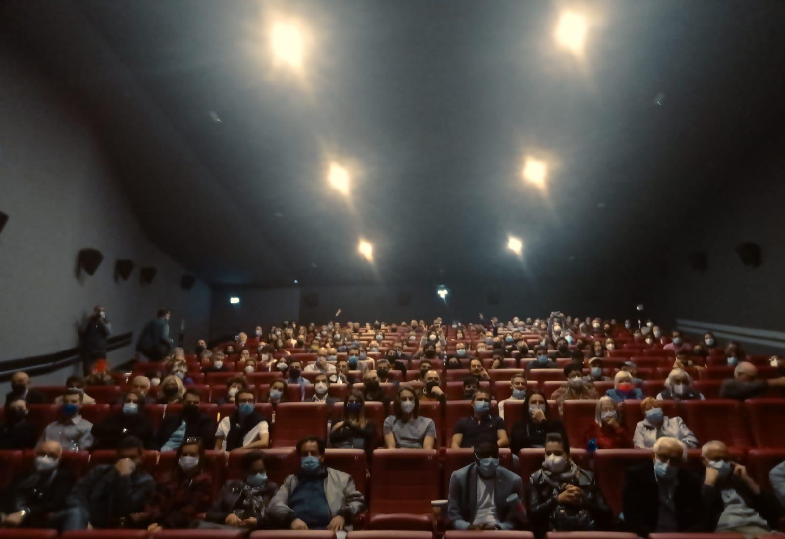 Il pubblico al Citiplex di Sassari per i Giganti